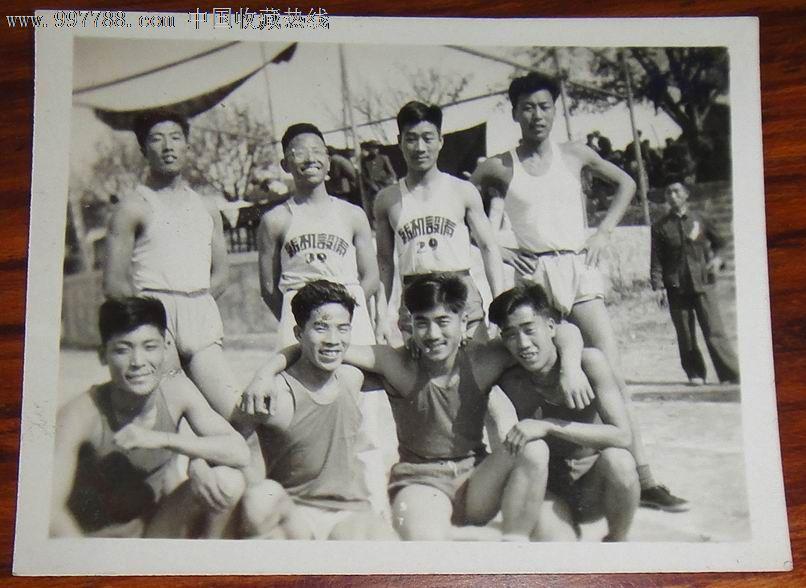 青岛五十年代纺织设备运动员