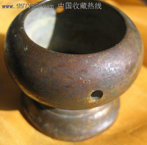 蒙古族庙中铜香炉