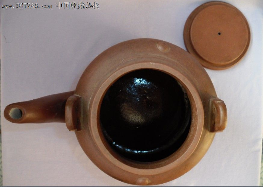 大师凤英,纯手工制,花纹底款,文革一号盘形老紫砂壶