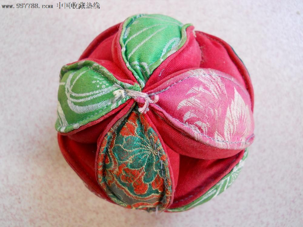 舞狮绣球的彩色简笔画