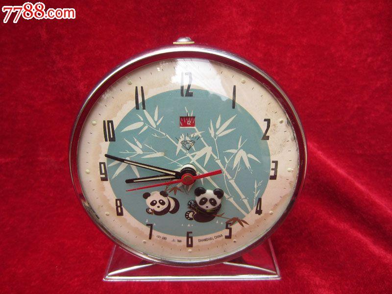 熊猫吃竹子闹钟熊猫的头会动怀旧闹钟怀旧装饰品
