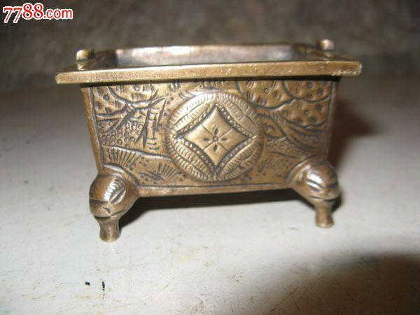 花纹长方形铜香炉