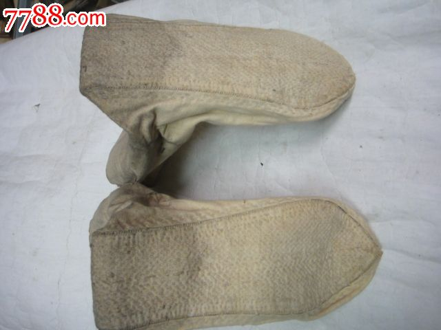 手工缝制老布袜子图片