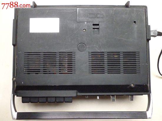 品相非常好的《上海牌》l-316型晶体管录音机