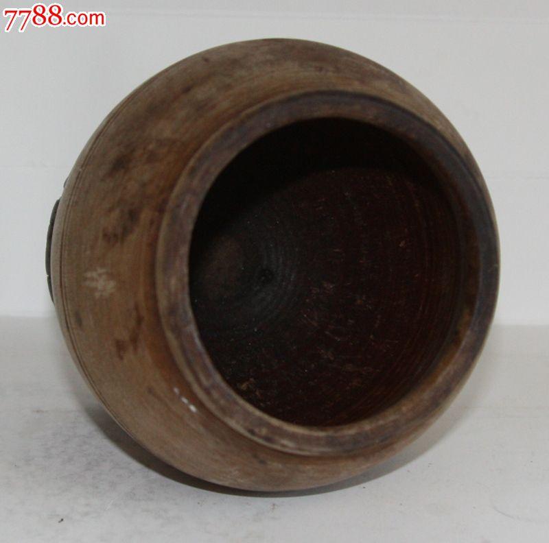 实心原木制作的筒