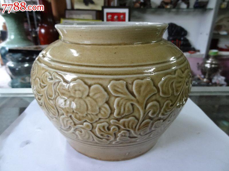 朝鲜花纹图案瓷罐