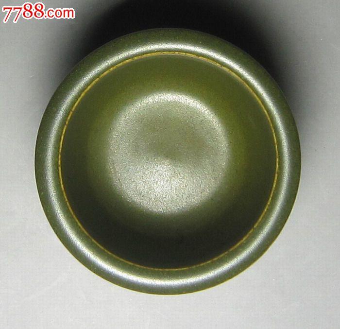 景德镇瓷茶叶末釉弦纹三足圆形香炉