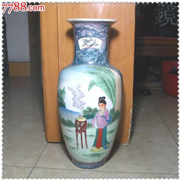 漂亮的八十年代手绘粉彩大瓷瓶