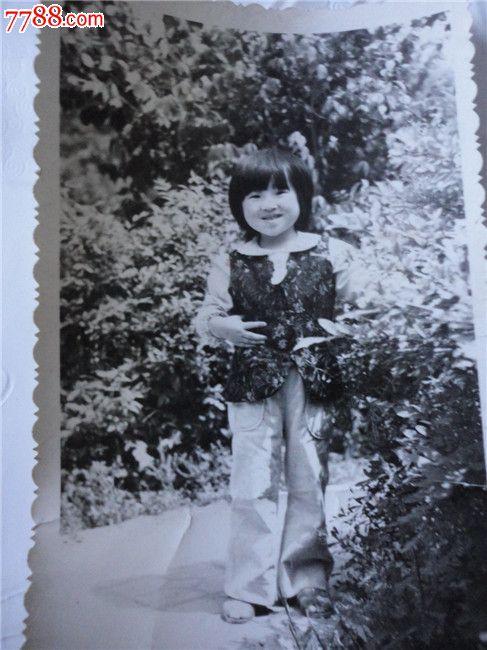 可爱的小女孩_价格8.0000元_第1张_7788收藏__中国收藏热线