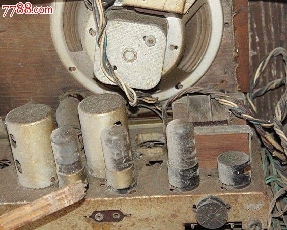 前苏联波罗地海大电子管收音机