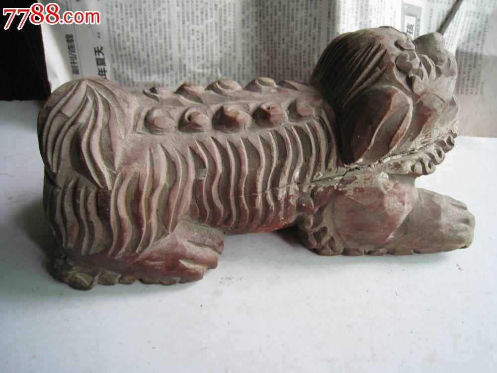 木雕狮子摆件