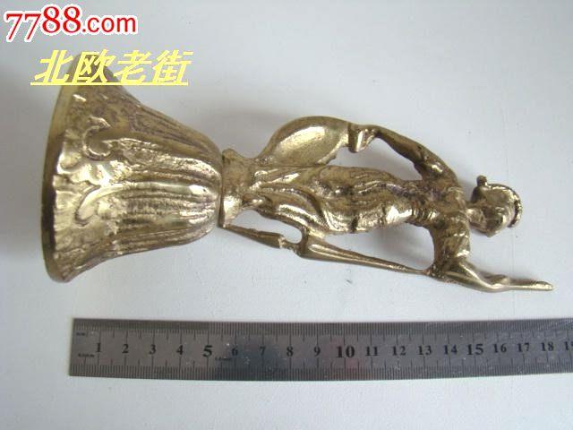 古代武土雕像铜铃铛