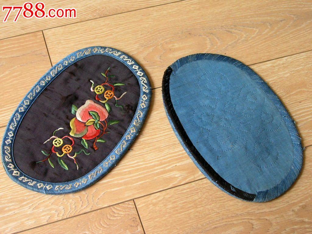 刺绣收藏140602-云南早期手工绣缎面黑底花开富贵椭圆
