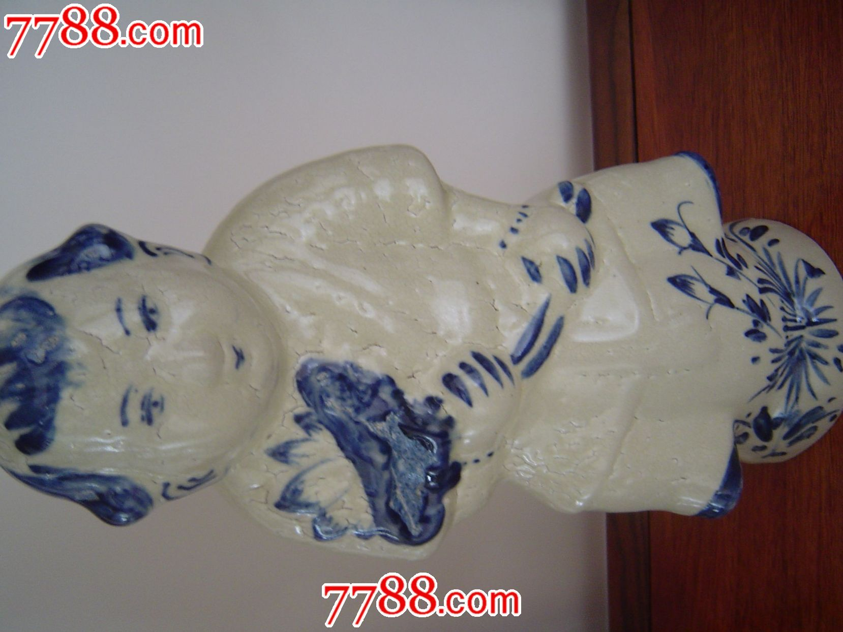 磁州窑持荷童子雕像图片