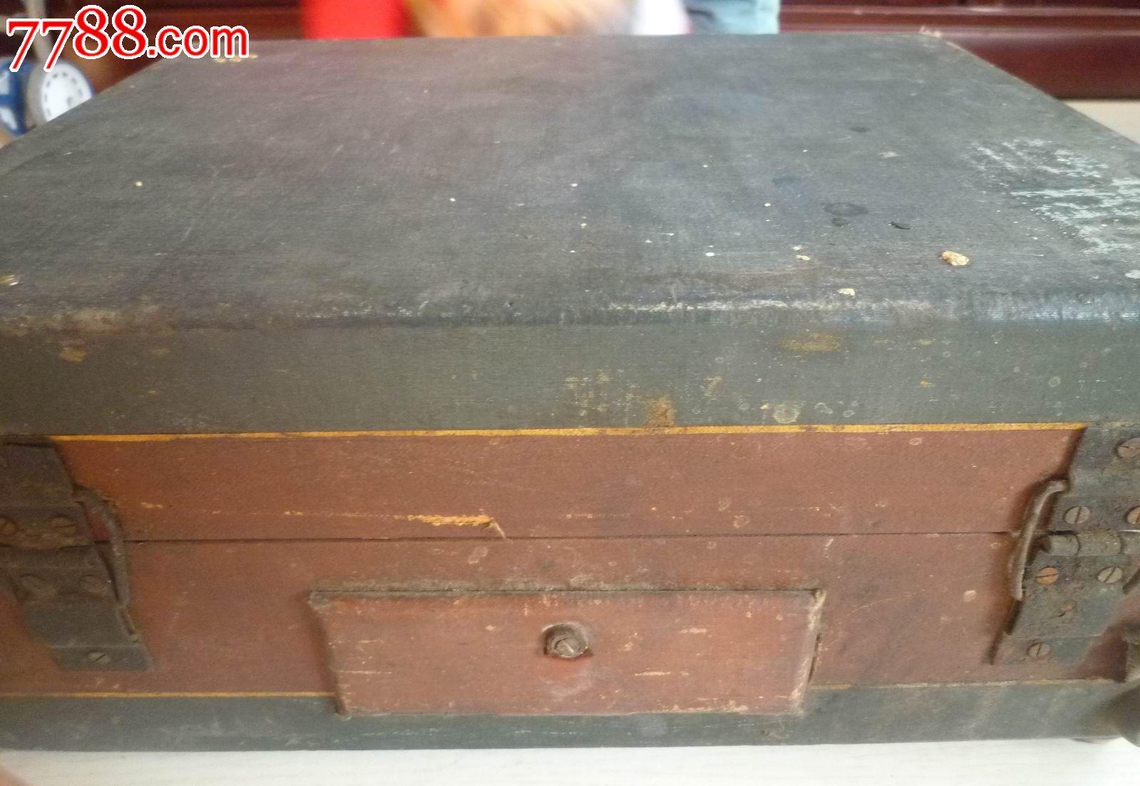 怀旧经典收藏老式821电唱机